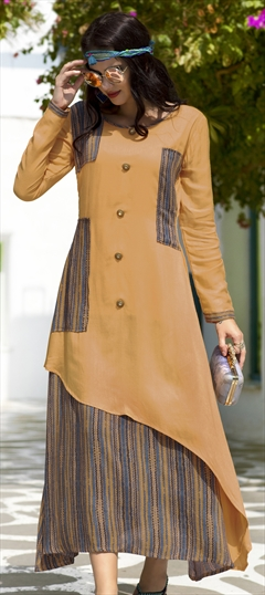 1508274: Casual Orange color Kurti in Rayon fabric with  Printed work
