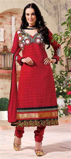 417818 Red and Maroon  color family Bollywood Salwar Kameez,Party Wear Salwar Kameez in Faux Georgette fabric with Border,Lace,Machine Embroidery,Resham,Thread,Zari work .