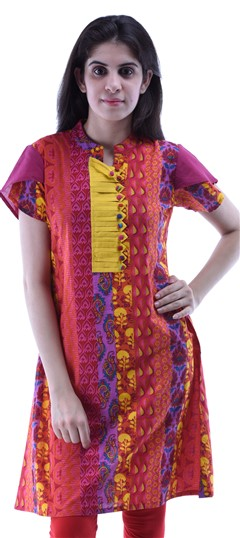 432946 Multicolor  color family Kurti in Cotton fabric with Pleats,Printed work .