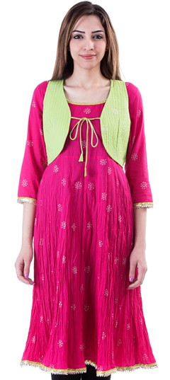 453644 Pink and Majenta  color family Cotton Kurtis,Kurti in Cotton fabric with Lace,Printed work .