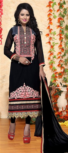 476295 Black and Grey  color family Party Wear Salwar Kameez in Faux Georgette fabric with Lace, Machine Embroidery, Thread work .