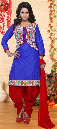 476297 Blue  color family Cotton Salwar Kameez in Cotton fabric with Lace,Machine Embroidery,Thread work .