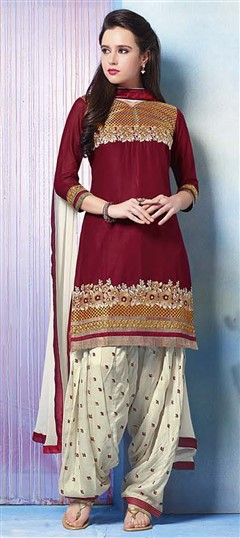 478912 Red and Maroon  color family Cotton Salwar Kameez in Cotton fabric with Lace, Machine Embroidery, Resham, Thread work .