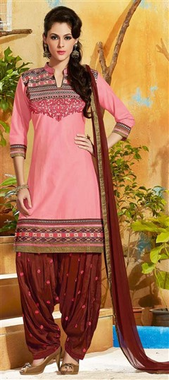 478913 Pink and Majenta  color family Cotton Salwar Kameez in Cotton fabric with Lace, Machine Embroidery, Resham, Thread work .