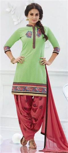 478918 Green  color family Cotton Salwar Kameez in Cotton fabric with Lace, Machine Embroidery, Resham, Thread work .