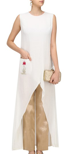 489349 White and Off White  color family Kurti in Silk fabric with Machine Embroidery, Resham, Thread work .