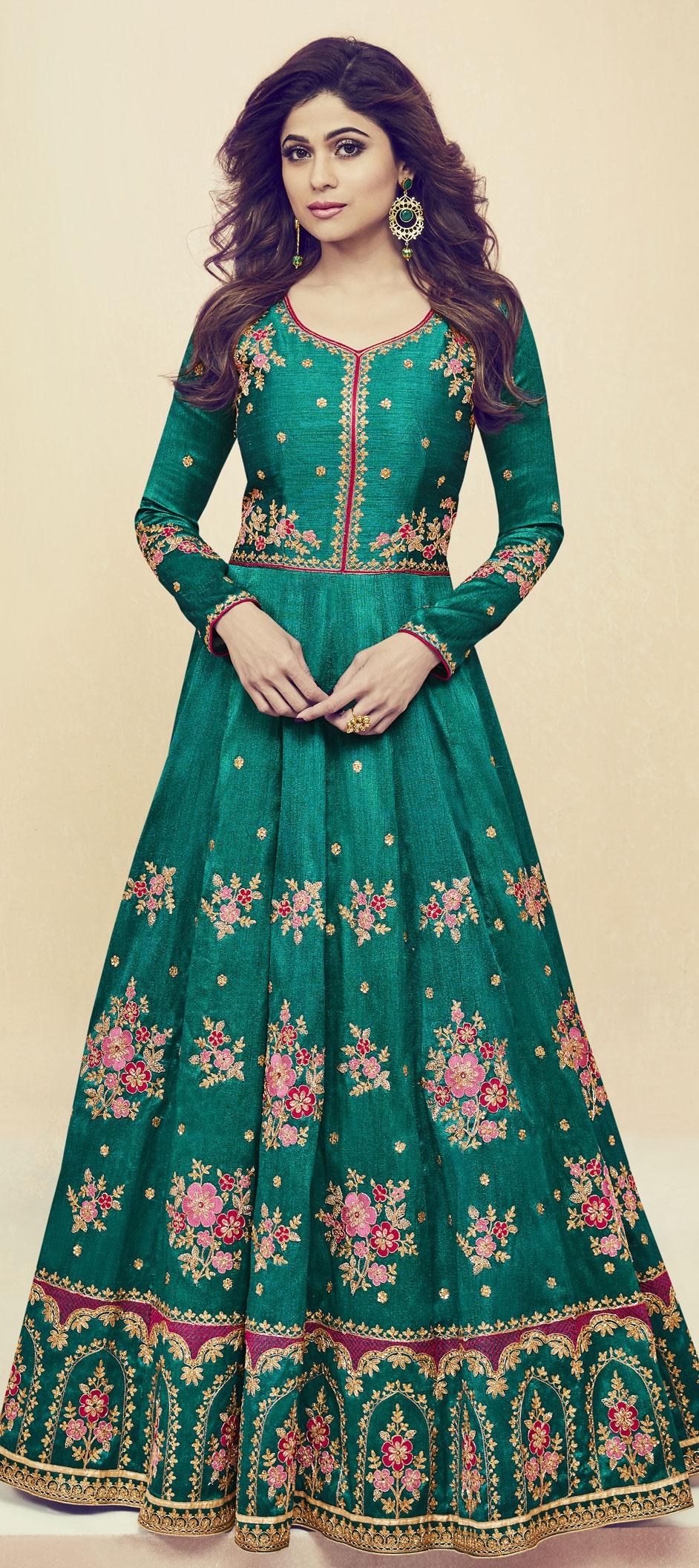 1510762: Wedding Green color Silk fabric Salwar Kameez