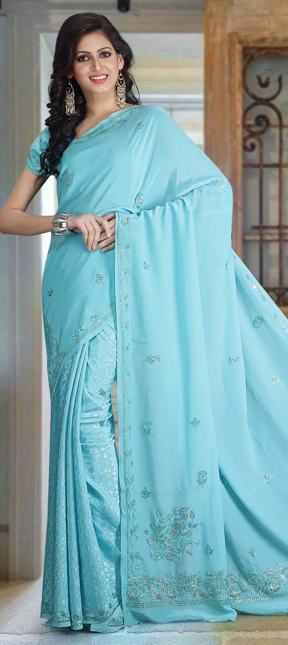 BE THE MOST ELEGANT BRIDE WITH THESE BRIDAL SAREES COLLECTION
